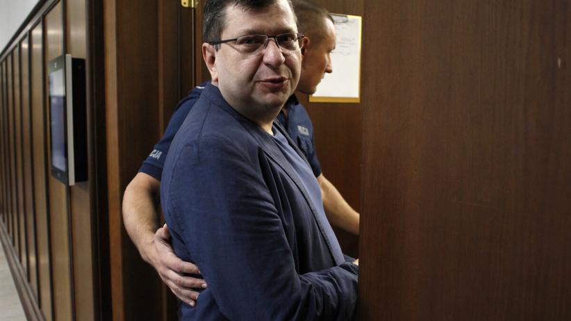 Zbigniew Stonoga z aktem oskarżenia, grozi mu 15 lat więzienia