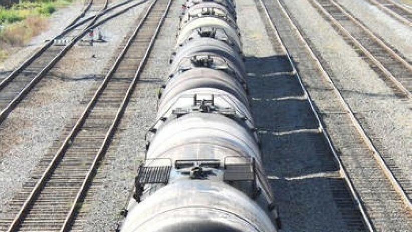 Wyciek ropy w pociągu w Wejherowie