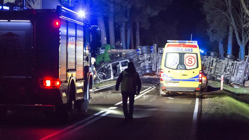 Witowice. Tragiczny wypadek na drodze nr 75, nie żyje młody ksiądz