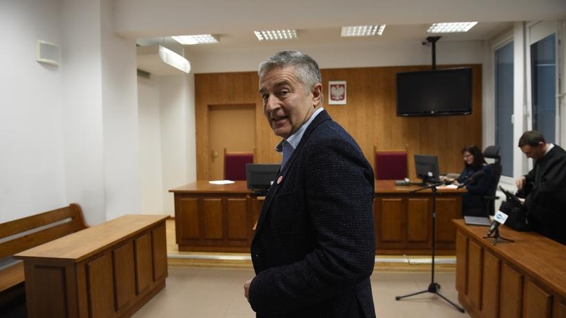 Władysław Frasyniuk winny naruszenia nietykalności policjantów. Kary nie będzie