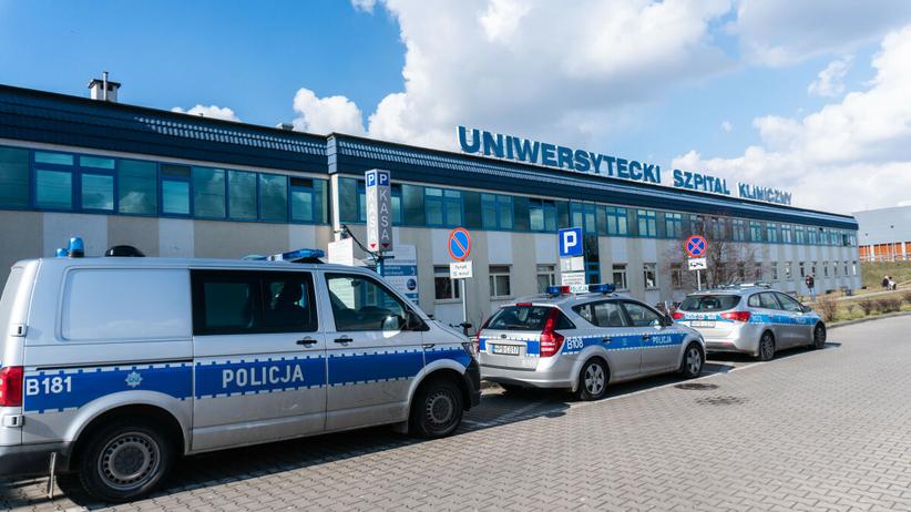 Wrocław. Śmierć pacjentki w karetce, raport szpitala