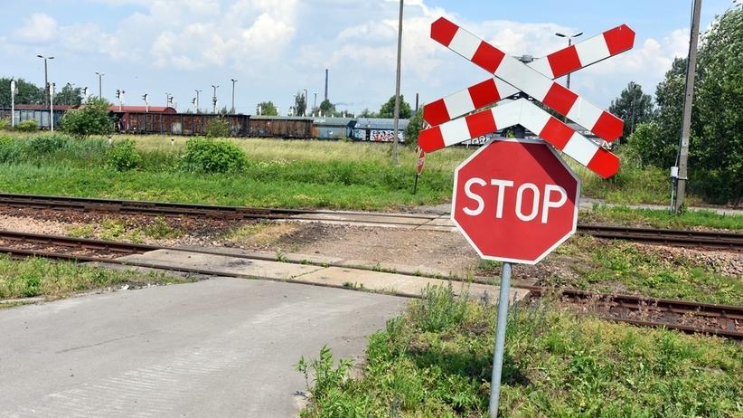 Wrocław. Wypadek na przejeździe kolejowym w Pasikurowicach