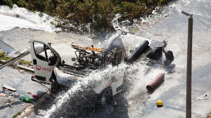 Warszawa Wybuch samochodu przewozacego butle z gazem na warszawskim Bemowie