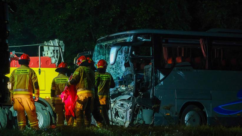 Wypadek busa i autokaru, Gliwice, dk88