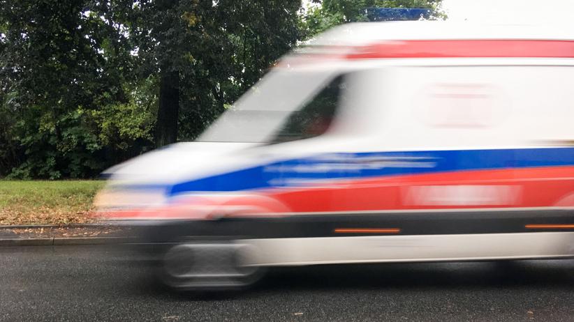 Wypadek dk 39 w m. Łukowice Brzeski. Zderzyły się 2 ciężarówki i osobówka