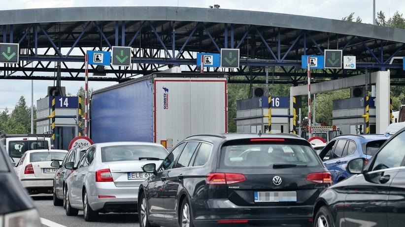 Wypadek na A4 pod Legnicą w kierunku Wrocławia. Utrudnienia też w Kariwanach