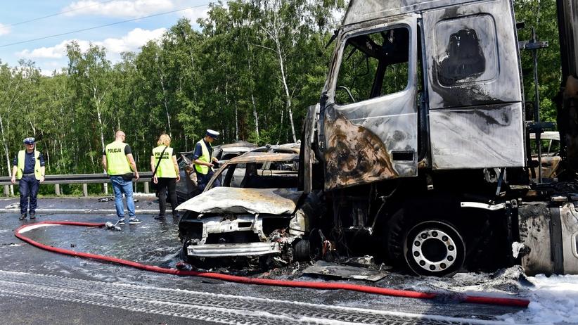 Wypadek na A6 pod Szczecinem. Kierowca TIR-a w szoku. Został aresztowany
