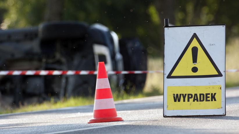 Dramat na drodze krajowej. Ciężarówka zderzyła się z autem, nie żyje 1 osoba