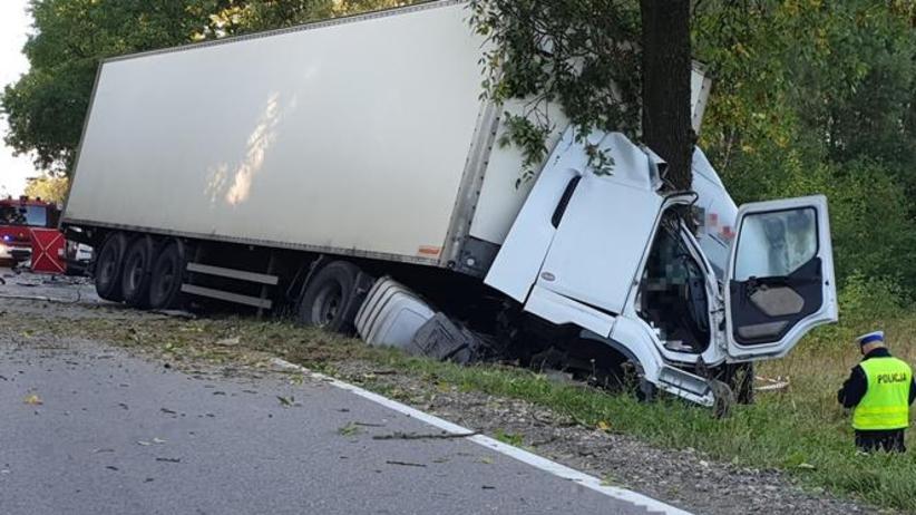 Wypadek na dk 19 na trasie Bielsk Podlaski - Białystok. Po czołowym zderzeniu nie żyją kierowcy