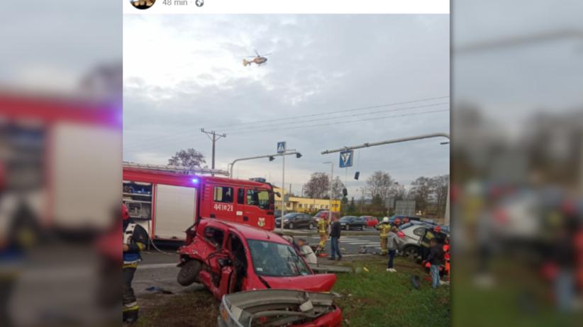 Wypadek na dk 94 w Sławkowie. BMW X5 i toyota yaris zmiażdżone