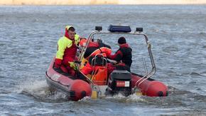 Mężczyzna wypadł z motorówki na jeziorze. Trwają poszukiwania