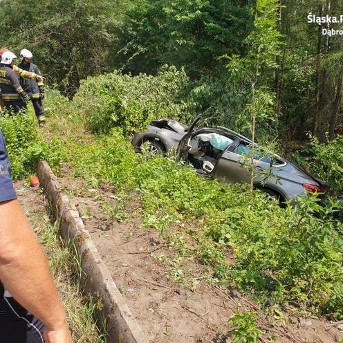 Kierowca BMW wyprzedzał na łuku. Zginął na miejscu