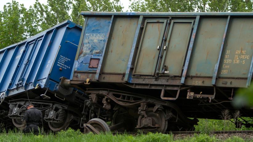 Wykolejone wagony - zdjęcie ilustracyjne