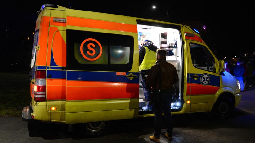 Wypadek w Kielcach. Samochód wjechał w radiowóz. Policjanci i ciężarna kobieta trafili do szpitala