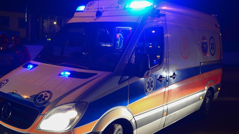 Wypadek w Miastku na dk 20. Motocyklista wjechał pod ciężarówkę
