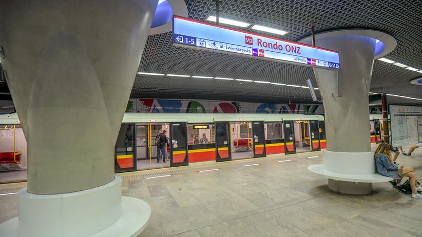 Wypadek w warszawskim metrze