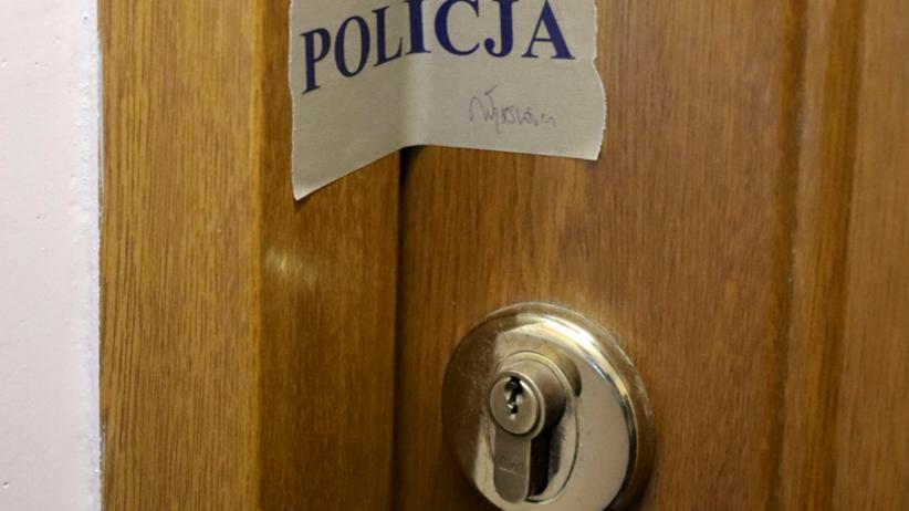 Drzwi były uchylone. Mężczyzna odnalazł zwłoki sąsiada