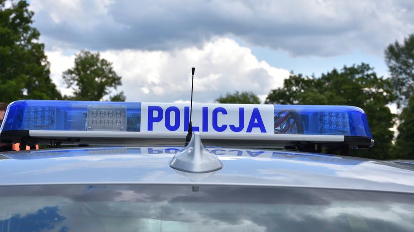Strzały na fermie w Zadowicach. Nie żyje 34-latek. Trwa policyjna obława