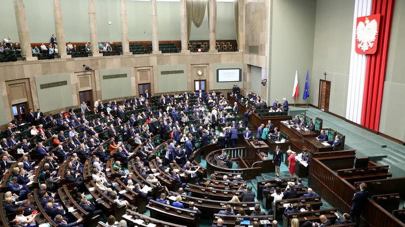 Wielkie emocje w Sejmie. Trwa dyskusja nad zaostrzeniem kar za pedofilię
