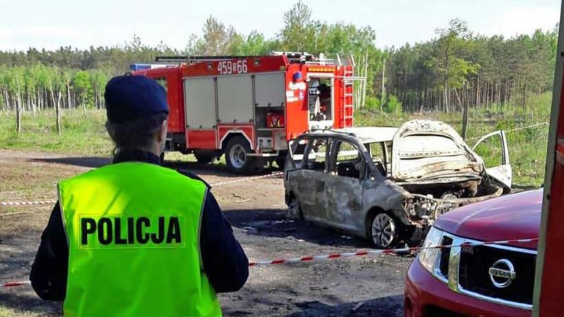 Spalone zwłoki w samochodzie. Biegli ustalili tożsamość ofiar