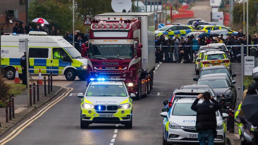 39 ciał w ciężarówce. Policja zatrzymała piątą osobę