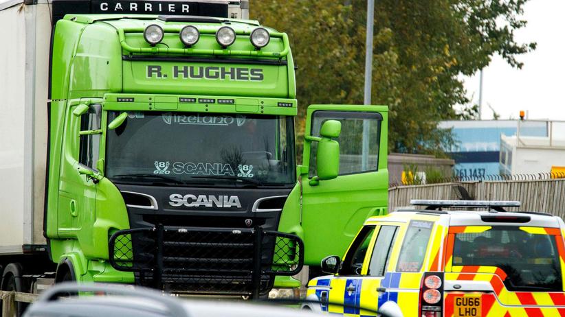 39 ciał w ciężarówce. Kolejne osoby aresztowane, drugi mężczyzna usłyszał zarzut