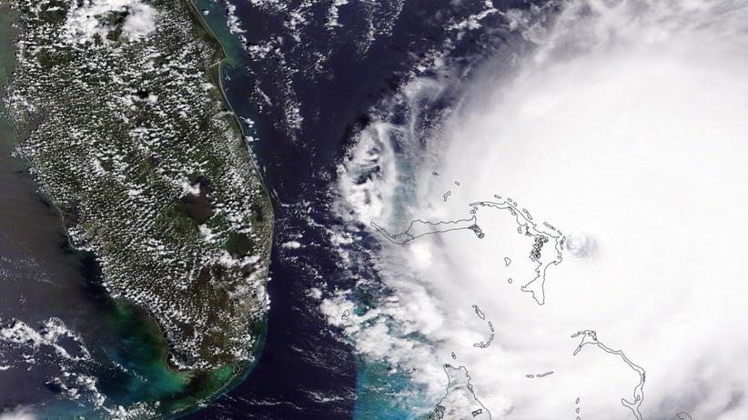 Coraz więcej ofiar zabójczego żywiołu. Huragan Dorian zbliża się do Florydy