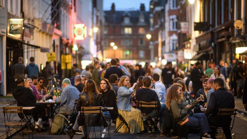 Kluby nocne w Anglii tylko dla zaszczepionych