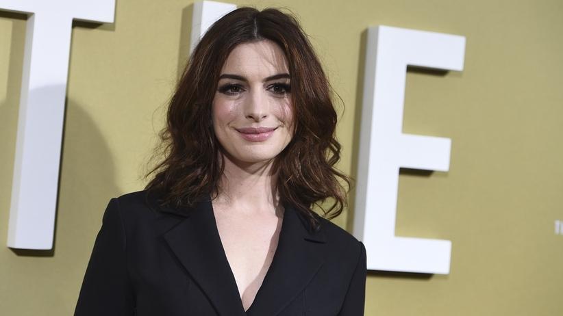 Atak nożownika na planie filmu z Anne Hathaway