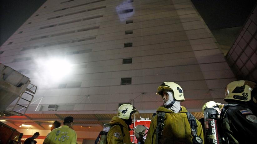 Ogromny pożar hotelu w Bangkoku. Ludzie skakali z okien