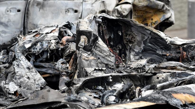 Samolot rozbił się na ulicy. Maszyna zabiła przechodnia
