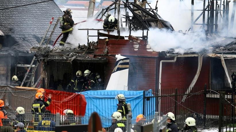 Mały samolot rozbił się niedaleko lotniska. Zginęło sześć osób