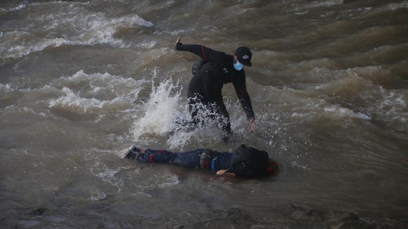 Chile. Policja zrzuciła 16-latka z mostu