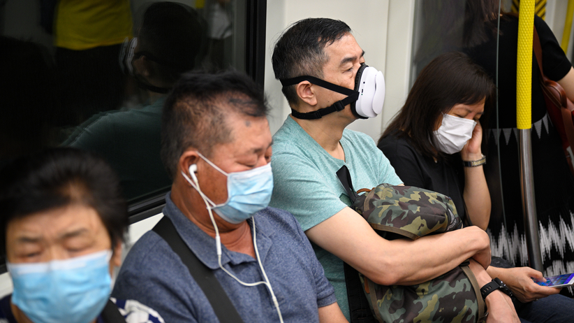 epidemia, mieszkańcy w maskach