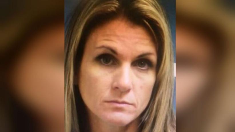Uprawiała seks z chłopakami swoich córek. To 14- i 15-latek