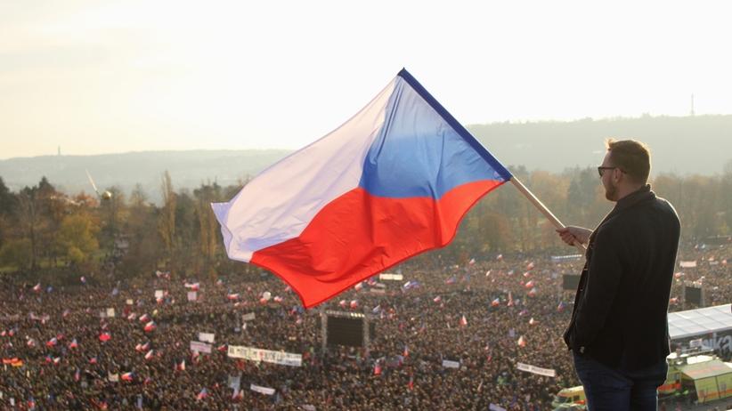Czechy. Ogromna demonstracja przeciwko premierowi Andriejowi Babiszowi w Pradze
