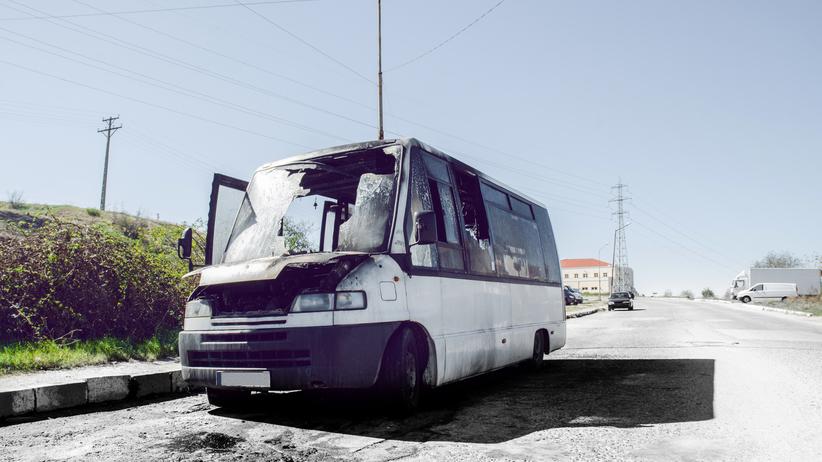 Minibus zderzył się z ciężarówką. Nie żyje ponad 20 osób, są ranni