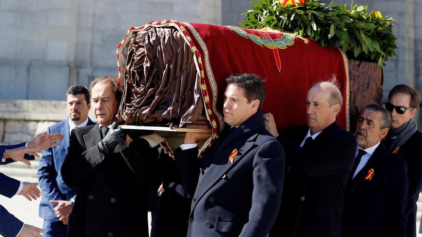 Ekshumacja generała Franco