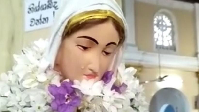 Figura Matki Boskiej zaczęła płakać? Wierni: To cud