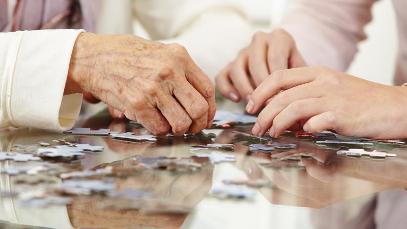 Nie żyje kilkoro starszych osób z domu opieki. Powodem mogło być zatrucie pokarmowe