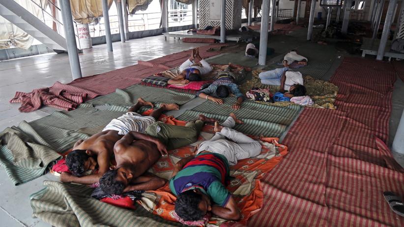 Cyklon uderzył w wybrzeże Indii. Ponad milion osób ewakuowanych