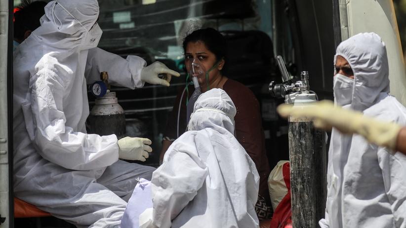 Koronawirus w Indiach, światowy rekord zakażeń