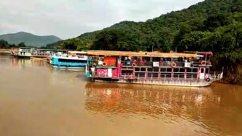 Tragiczny wypadek łodzi z turystami. Nie żyje kilka osób, ponad 20 zaginionych