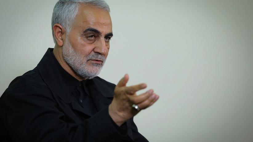 """Iran grozi """"miażdżącą zemstą"""" za śmierć Sulejmaniego"""