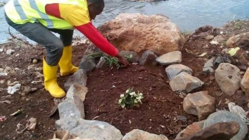 Kenia: Robotnicy czyścili rzekę. Odnaleźli ciała bliźniaków w torbie