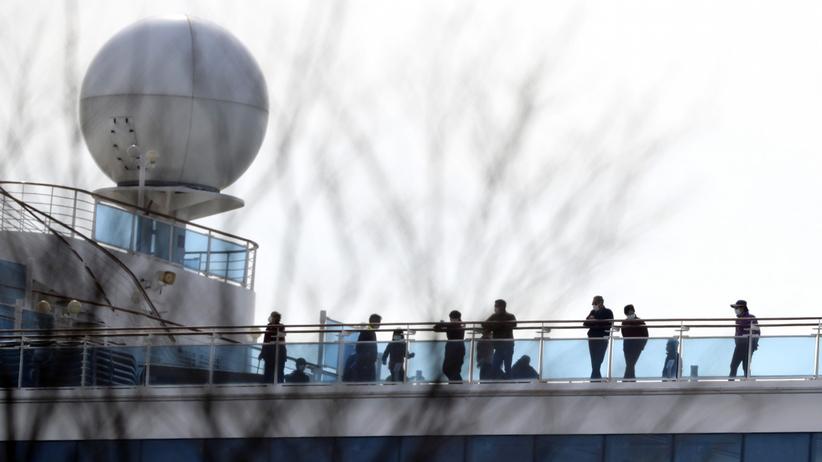 Zmarła dwójka pasażerów statku wycieczkowego, zarażonych koronawirusem