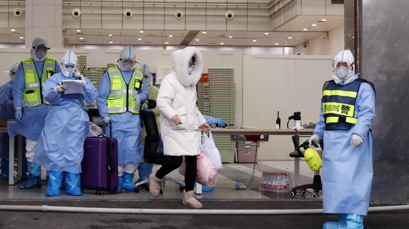 Ostatni szpital polowy zamknięty. Jesteśmy bliżej końca epidemii koronawirusa?