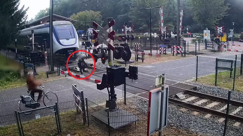 O krok od tragedii na przejeździe kolejowym