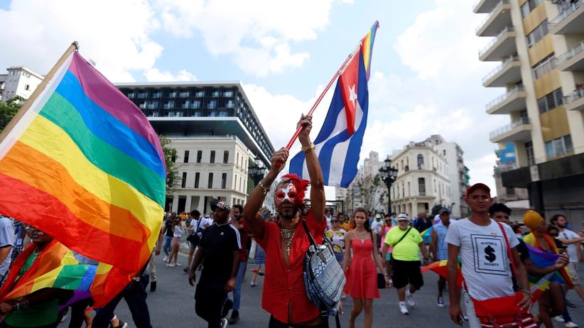 Policja przerwała marsz na rzecz praw LGBT. Kilka osób aresztowanych