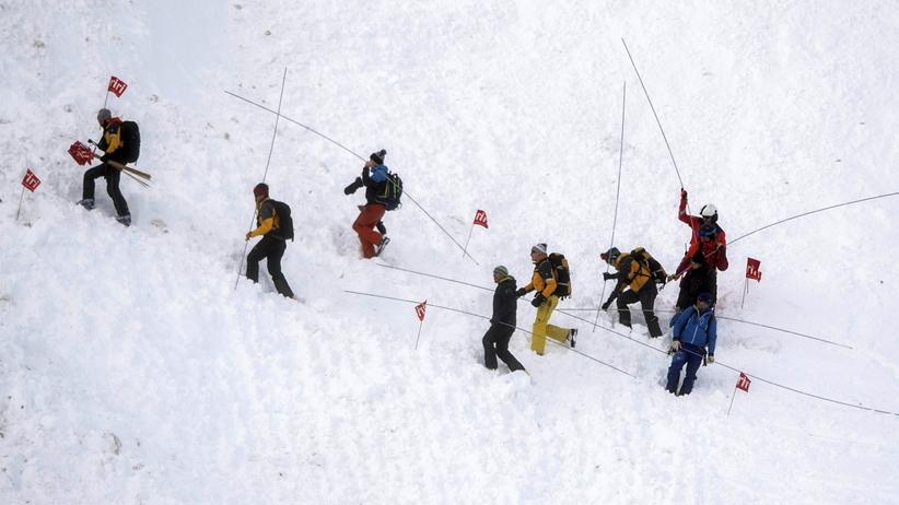 Lawiny w narciarskich kurortach w Austrii i Szwajcarii. Trwają poszukiwania zasypanych turystów